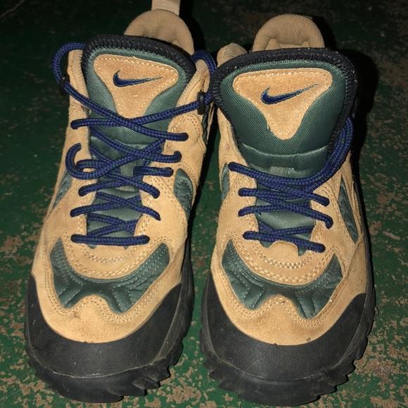 Nike ACG Shoes - Women Nike ACG boots size 7
